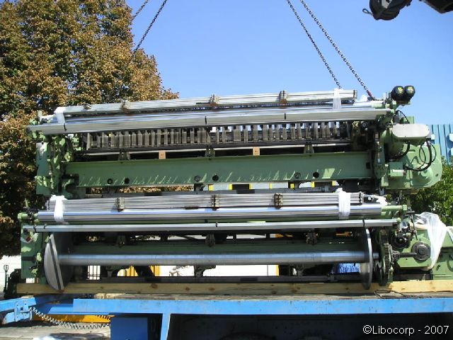 You are browsing images from the file: Loading of Sulzer looms (a)